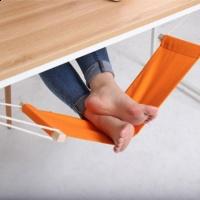 Relaks w pracy – biurkowy hamak