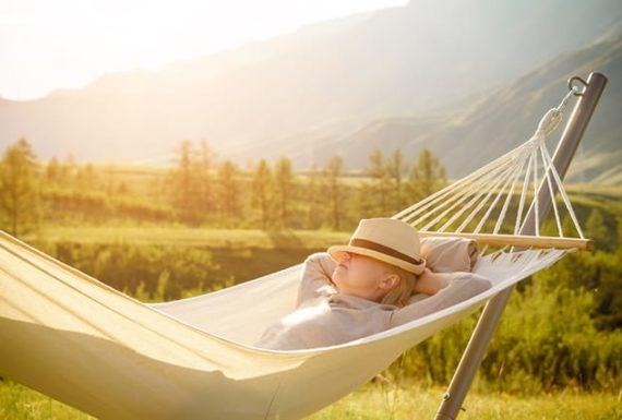 Korzyści z relaksu w hamaku na zdrowie